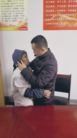 母亲负气出走儿子苦寻16年 湖南母子如东团聚