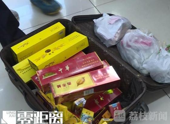 """淮安13岁少年拖行李箱盗窃 只为请""""朋友""""吃饭"""