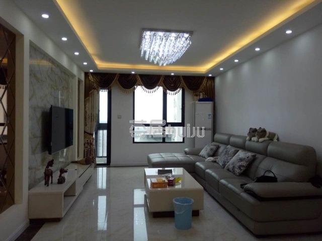 21世纪国际公寓 123㎡ 355万