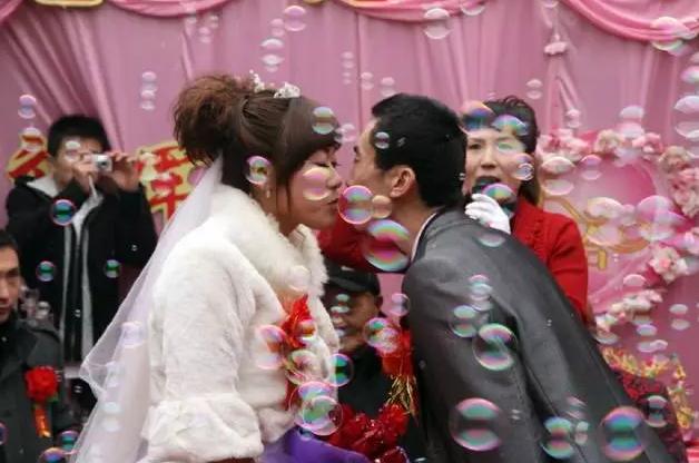 大龄男子花16.8万娶老婆 领证2天后孕妻离奇失踪