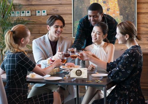 开创茶饮4.0 醇粹普洱茶珍夺有品饮食榜冠军