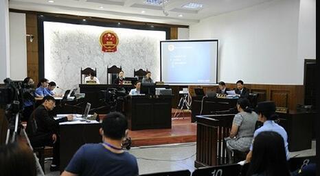 南京虐童案被告否认犯罪 当庭哭喊致休庭