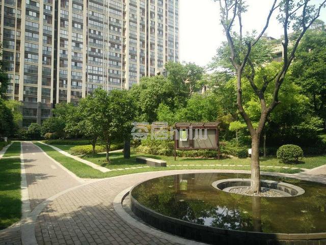 银城聚泽园 128㎡ 700万