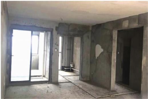 房子还没过户 买家就抢着进场装修 主卧室大梁被打坏