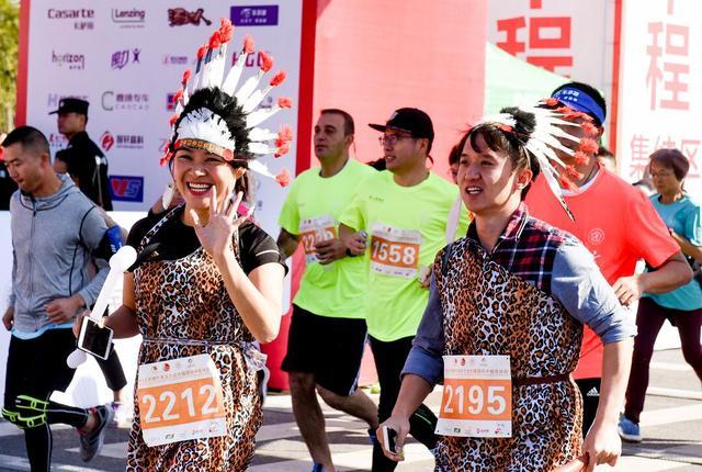 2018南京六合竹镇国际半程马拉松开跑