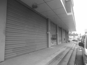 南京一街道为打造商业街 高价收上百门店无人租