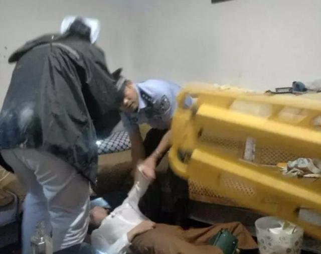 徐州一女子出租屋内欲自杀 民警成功营救