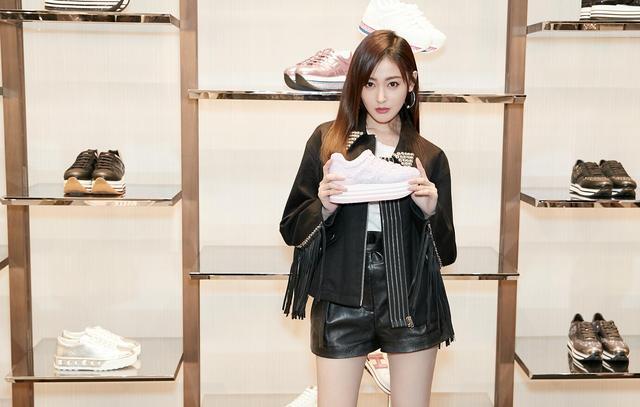 张天爱亮相HOGAN南京店 助阵ACTIVE-ONE系列发布
