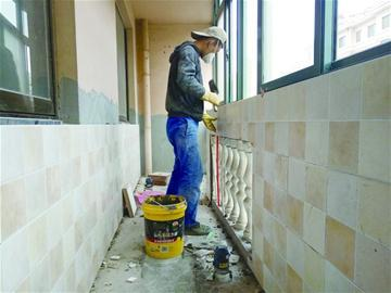 装修人工费涨两成 熟练泥瓦工月入两万