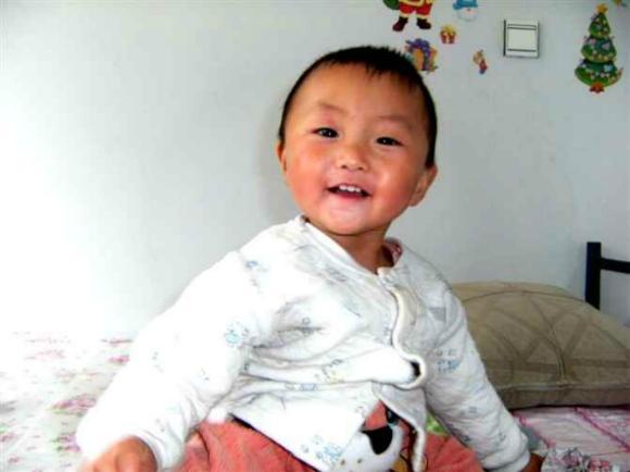 张语涵生前照片,照片由小语涵家属提供-女童宿迁人民医院输液后死
