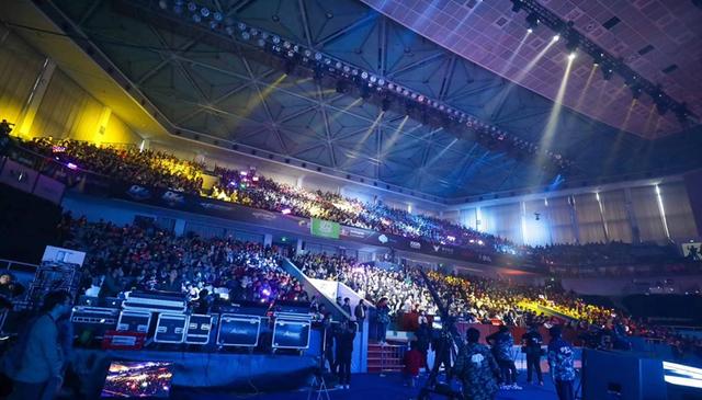 《穿越火线》双端职业联赛总决赛精彩纷呈 谱写中国电竞华彩篇章
