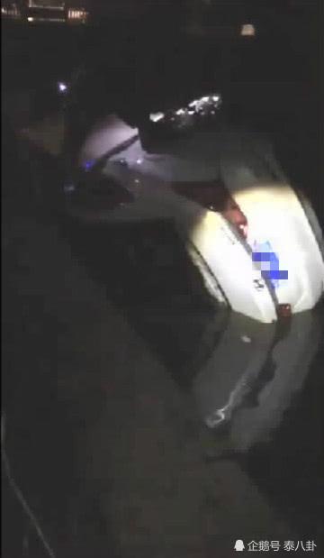 泰州发生惨烈车祸 轿车失控坠河2人身亡