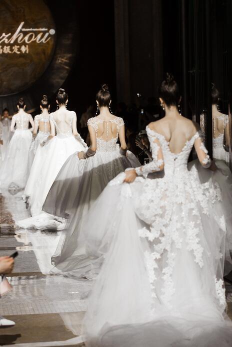 2018国际婚纱成衣新品发布会在江苏常州举办