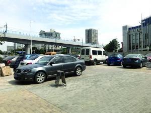 南京竹山路地铁换乘中心明年建成 提供336个车位