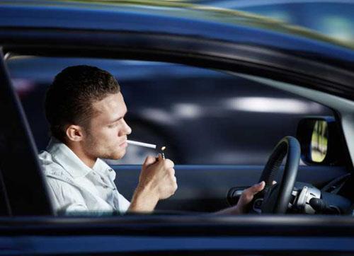 不要用生命来驾车 三个误区易酿事故
