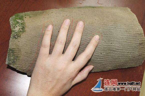 连云港现2000多年前汉瓦 瓦上印有古人手印