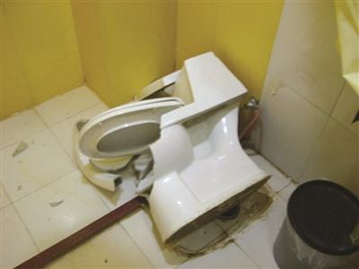客人宾馆如厕时马桶爆裂身受重伤 宾馆反要赔偿 客人宾馆如厕时马桶爆裂身受重伤 宾馆反要赔偿 资讯
