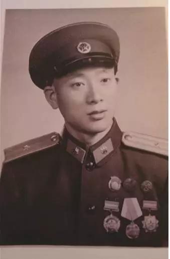 在抗日战争,解放战争时期参加过苏中七战七捷战役,姚家庄突围,攻克徐图片