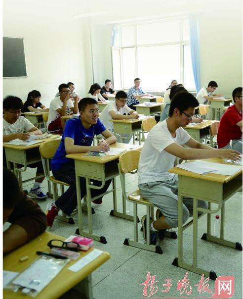 """2014江苏高招杜绝""""点招"""" 考生不必去现场签字"""