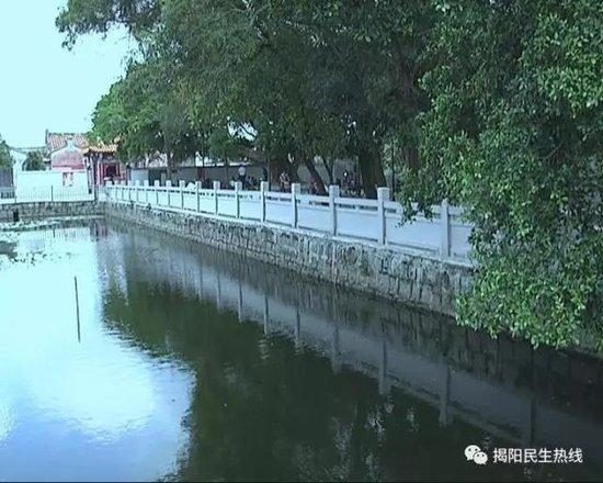 揭阳产业园霖磐镇:开展河道清淤 重现碧水蓝天