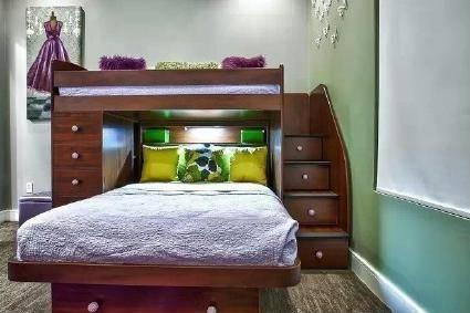 床底的空间,是最好的收纳!