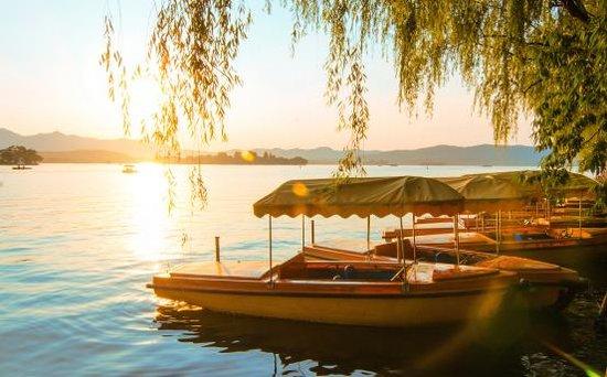 风从西湖来,御西湖,穿越两个城市的珍贵相遇
