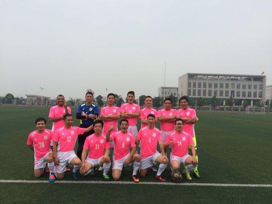金华房地产业足球联赛小组赛结束 周日八强赛球场见