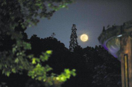 中元节:史上最大最圆月亮