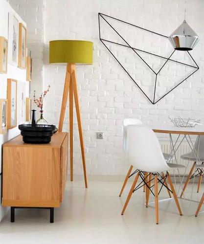 几何线框装饰墙面让平面的墙活跃起来,造成立体感的视错觉十分风趣.图片