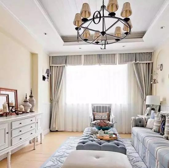 欧式客厅暖白色