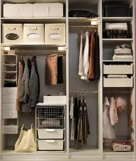 衣柜内部布局不当.