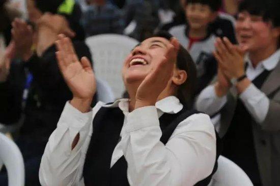 """""""城熟时光 致谢城主""""郑开橄榄城11月业主答谢主题月——喷空小剧场即将开启!"""