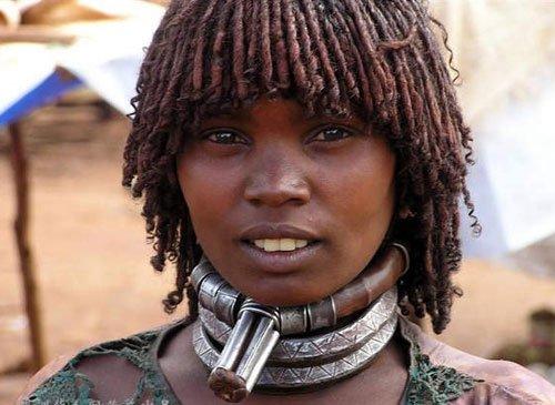 组图:实拍落后的非洲部落