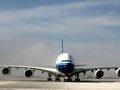 中国首架A380飞机成功首航