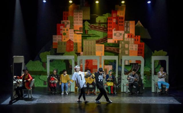 儿童剧《市场街最后一站》首演 奇幻展示成长之旅