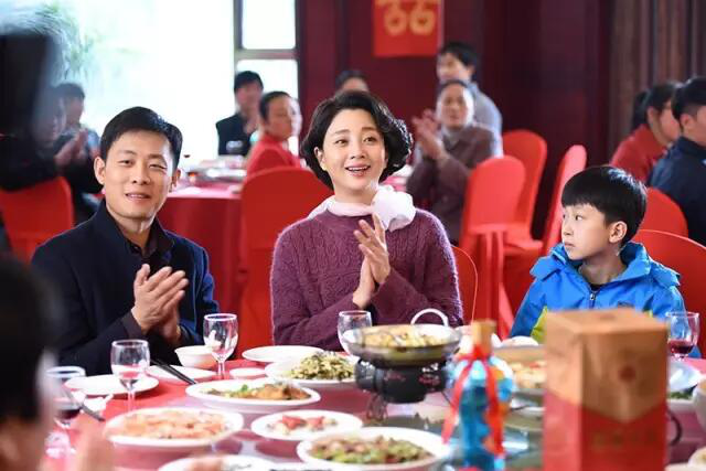 张译殷桃白玉兰封视帝视后,ABC KIDS赞助的《鸡毛飞上天》厉害了!