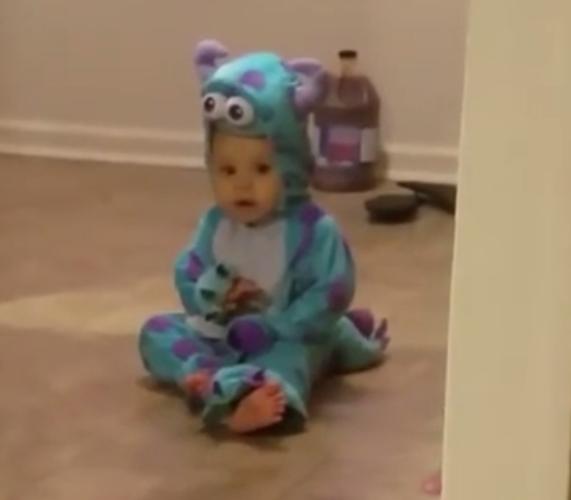 超萌!小宝宝的装扮秀