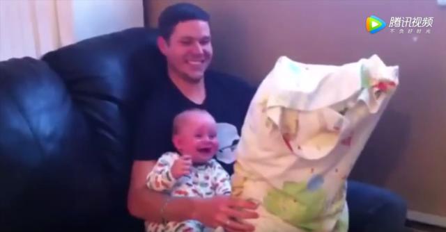 宝宝是爱笑的天使,妈妈瞬间烦恼都没有了