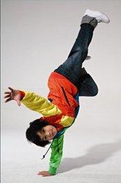 八岁小男孩超酷炫的街舞秀