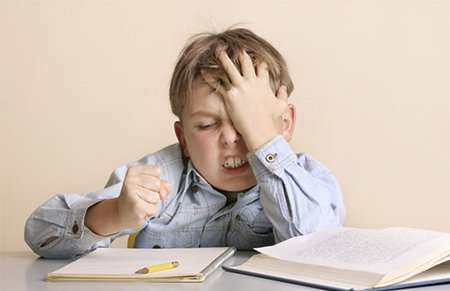 奇葩作业让家长抓狂:要求一年级孩子写12页报告