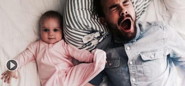 宝宝被爸爸鼾声惊醒!反应很搞笑