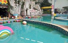 组图:男童戏水溺亡 挣扎3分钟无人发现