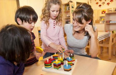 """教子经验:我教女儿从小学会""""吃亏"""""""