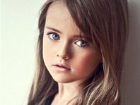 组图:俄罗斯9岁小萝莉成国际超模 盘点惊艳全球的萝莉