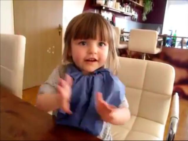 可爱的德国小女孩学中文