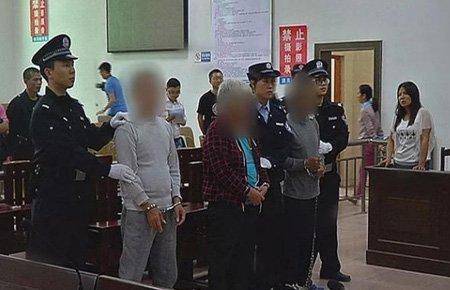 父亲逛街一眼认出被拐儿子将其解救 3人获刑