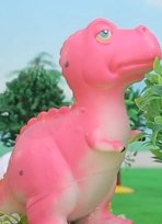 和鸡宝宝做朋友的小恐龙