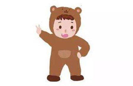 熊孩子不服管教指着外公说他是人贩子 路人忙报警