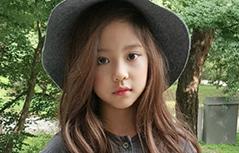 组图:韩国七岁小模特黄诗恩