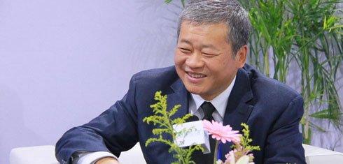 组图:CCBF国际童书展 新疆青少年出版社社长徐江接受采访